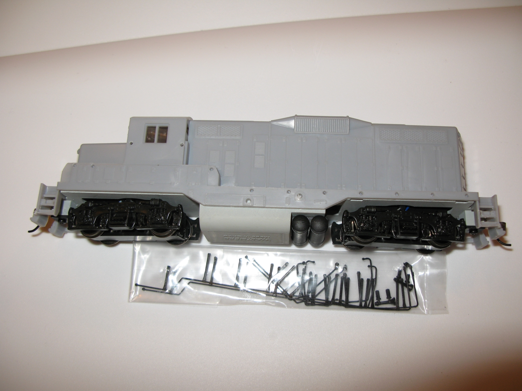 Undecorated GP9m